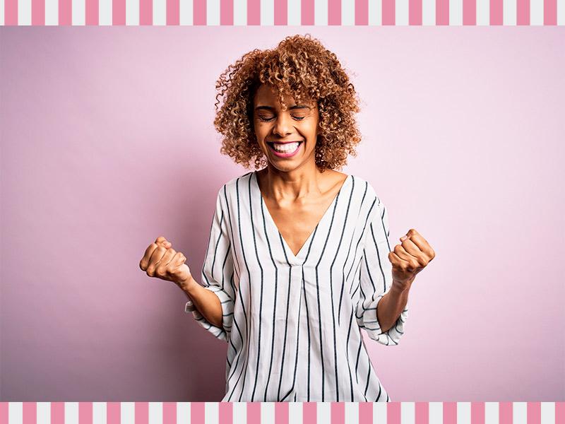 mulher mamoplastia aumento satisfeita