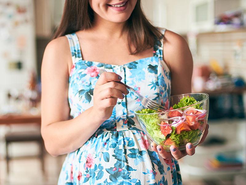 mulher dieta excesso pele barriga