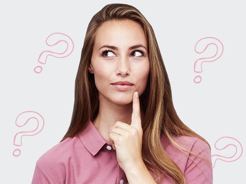 mulher pensando silicone atrapalha amamentação